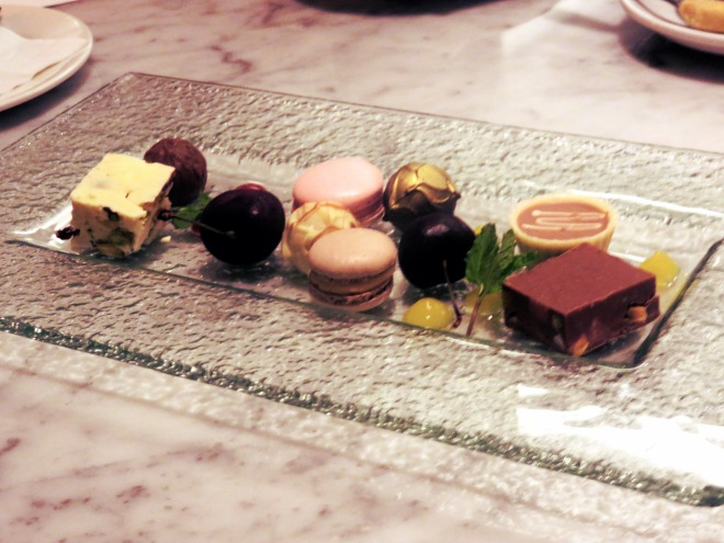 petit fours, dessert, food, food event, chameleon restaurant, zomato, wellington