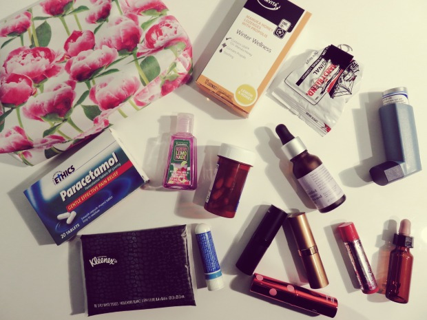 http://xoxbubbles.com/2014/08/31/in-my-bag-winter-2014-edition/